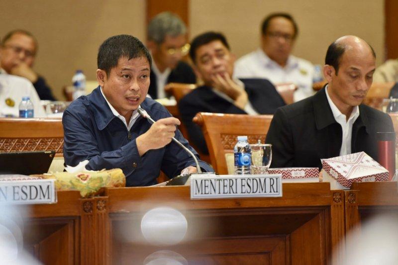 Jonan targetkan Indonesia terlistriki 100 persen tahun 2020