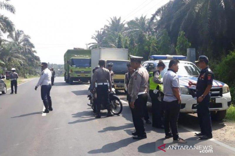 Puluhan kendaraan ditilang saat razia gabung di Palembayan Agam