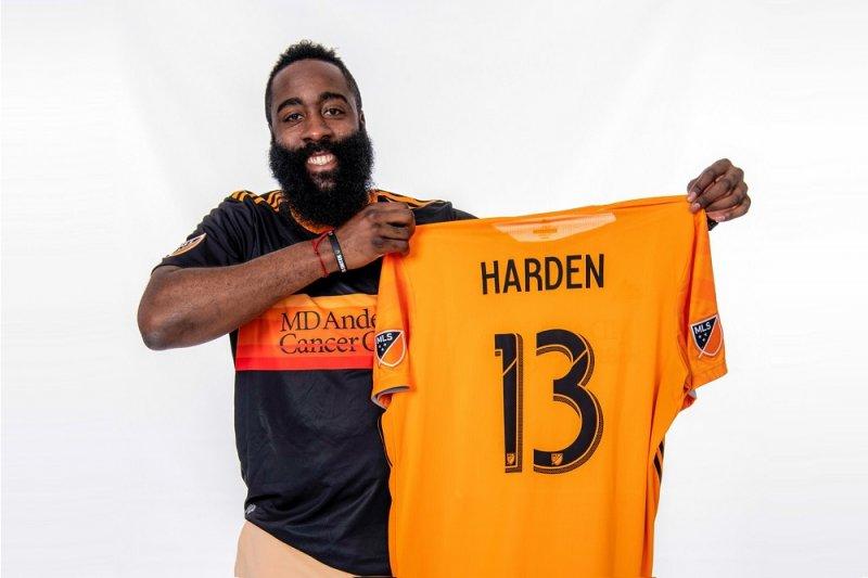 Saham tim sepak bola Houston dibeli Harden