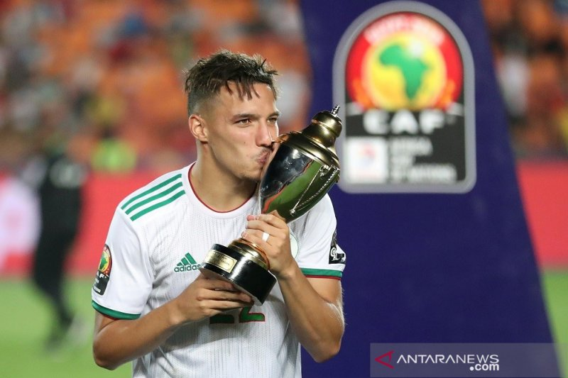 Gelandang Aljazair Ismael Bennacer  pemain terbaik piala Afrika 2019
