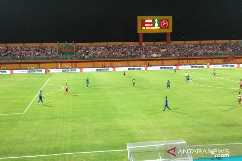 Madura United gilas Arema FC 1-0