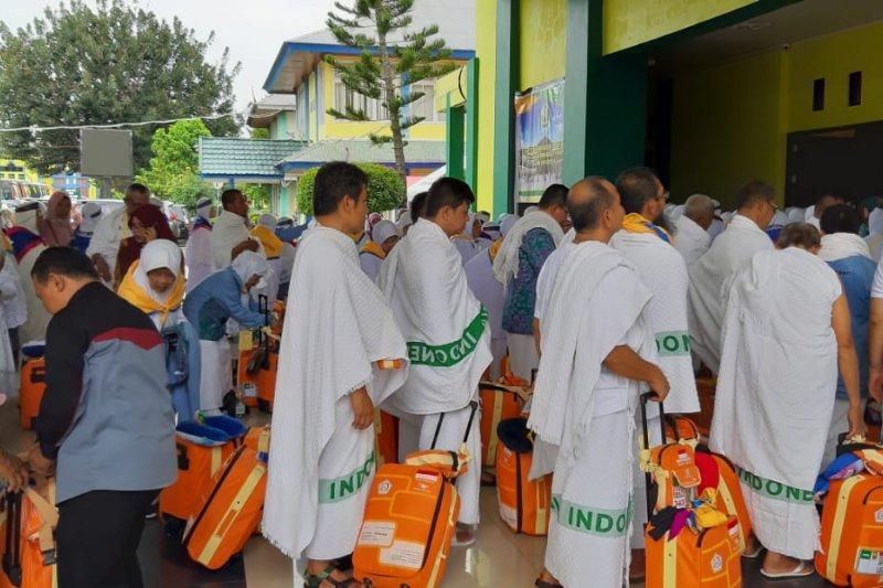 Embarkasi Padang sudah berangkatkan 6.233 calon haji dengan 16 kloter