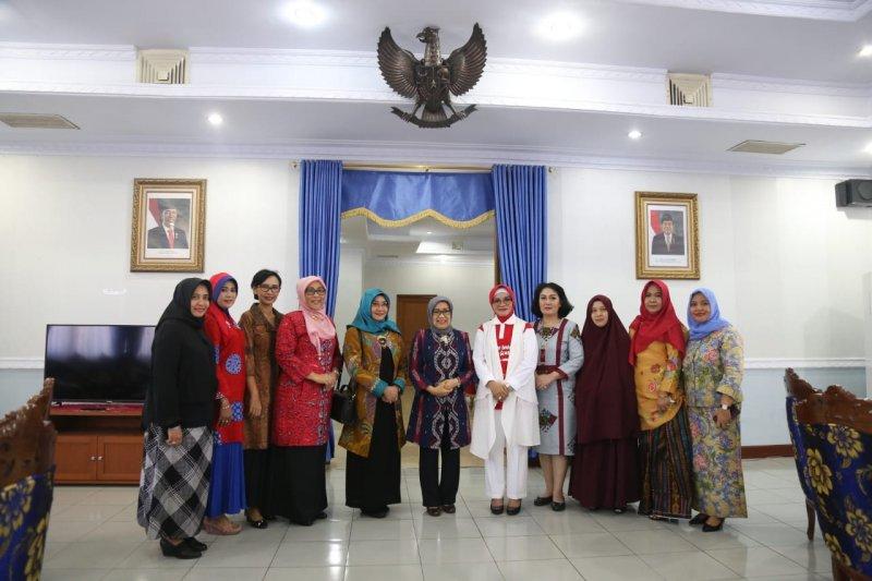 Ketua Dekranasda Sulsel dan Makasar dampingi Mufidah Jusuf Kalla