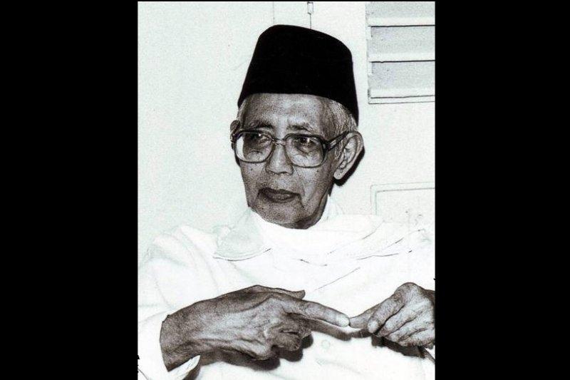 M. Natsir, menteri berkemeja tambalan
