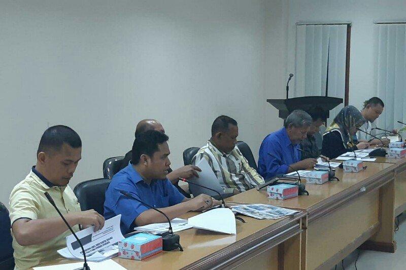 DPRD Sulawesi Barat soroti pemerintah terkait masalah guru tidak tetap