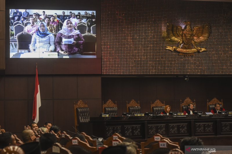Sidang lanjutan sengketa PHPU Riau di MK digelar lewat video conference
