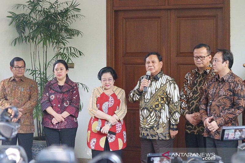 "Megawati mengaku melakukan ""politik nasi goreng"" kepada Prabowo"