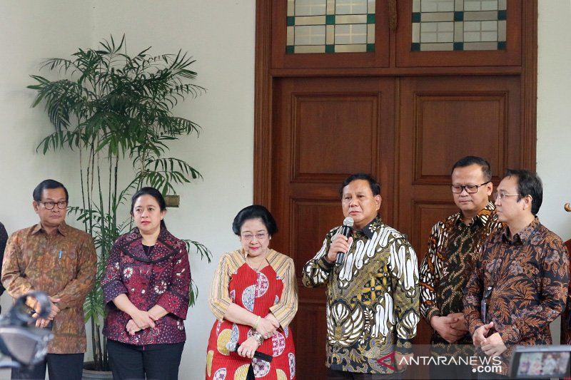 Makna ganda pertemuan Megawati-Prabowo