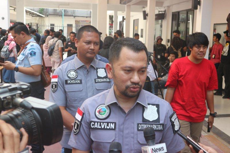 Polisi bentuk tiga tim buru DPO pemasok narkotika sabu ke Nunung