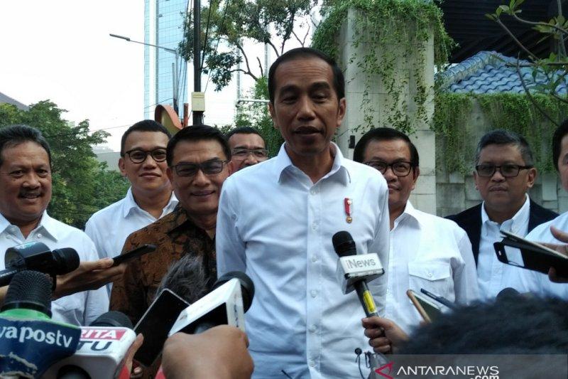 Jokowi  hadiri pembubaran TKN di Jakarta