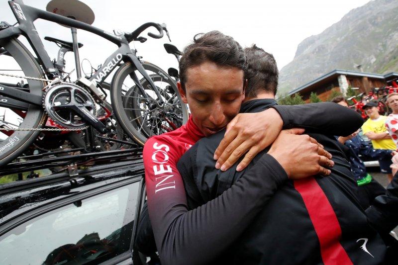 Badai es hentikan etape-19 Tour de France , Bernal rebut jersey kuning