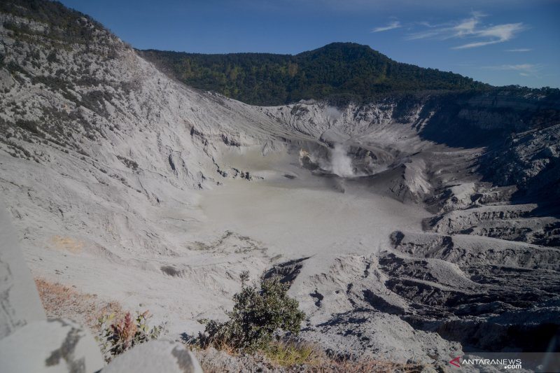 BPBD: Status Gunung Tangkuban Parahu Minggu malam normal