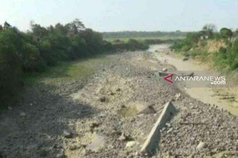 Tiga sumber air baku untuk Kabupaten Bekasi mengering