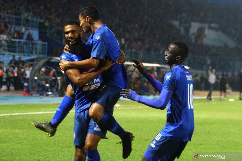 Klasemen sementara Liga 1: Arema menyodok ke posisi keempat, PS Tira Persikabo tetap kokoh