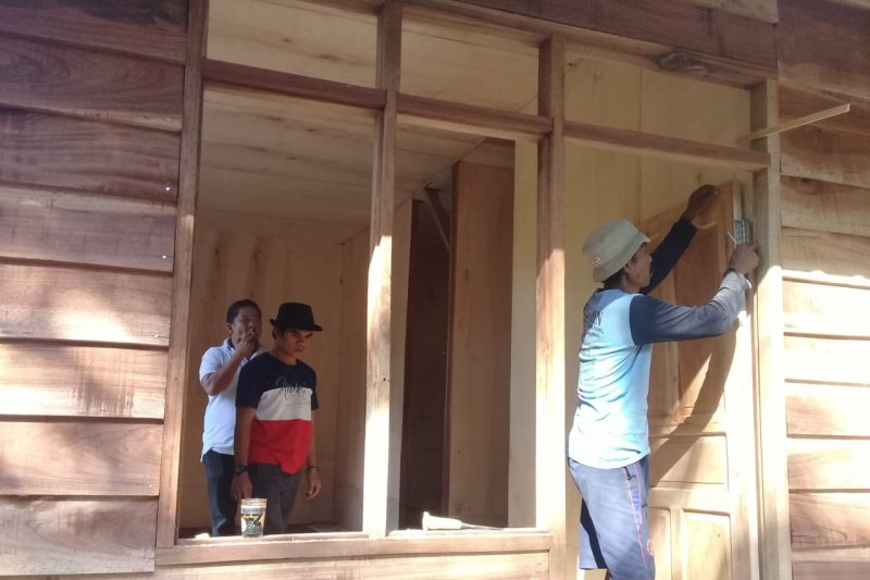 Membangun rumah sederhana  tahan gempa