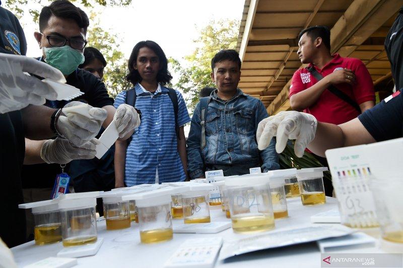 Duta anti narkoba lakukan tes urine dadakan