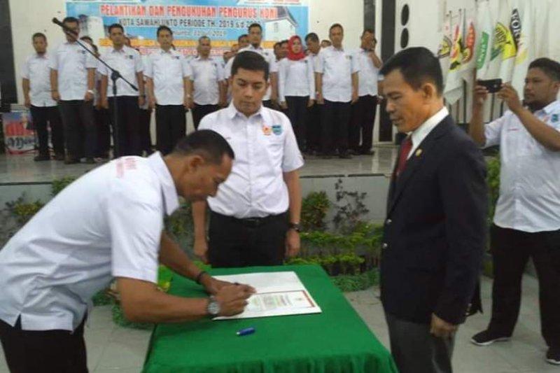 Ketua KONI Sumbar lantik pengurus KONI Sawahlunto masa jabatan 2019-2024
