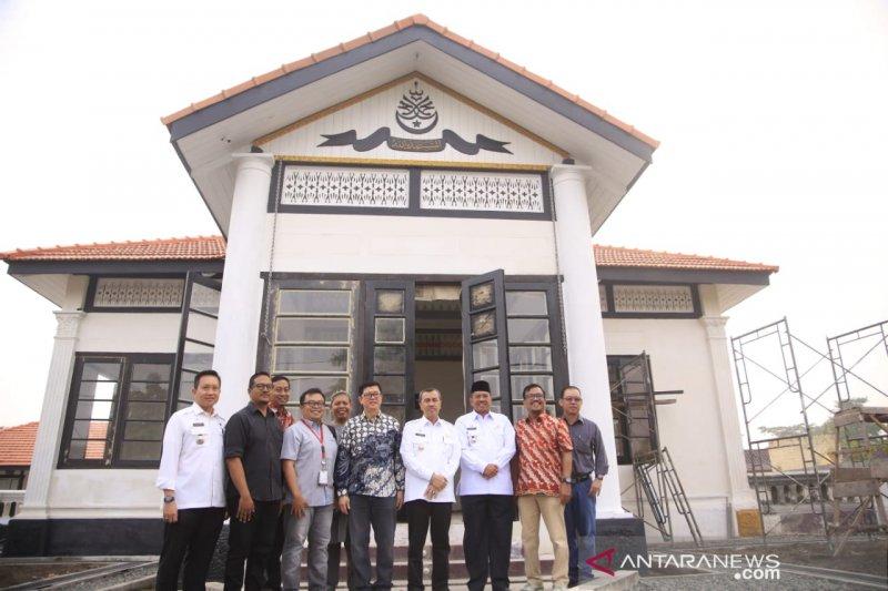 Gubernur Riau, TACB dan RAPP tinjau pemugaran Istana Peraduan Siak