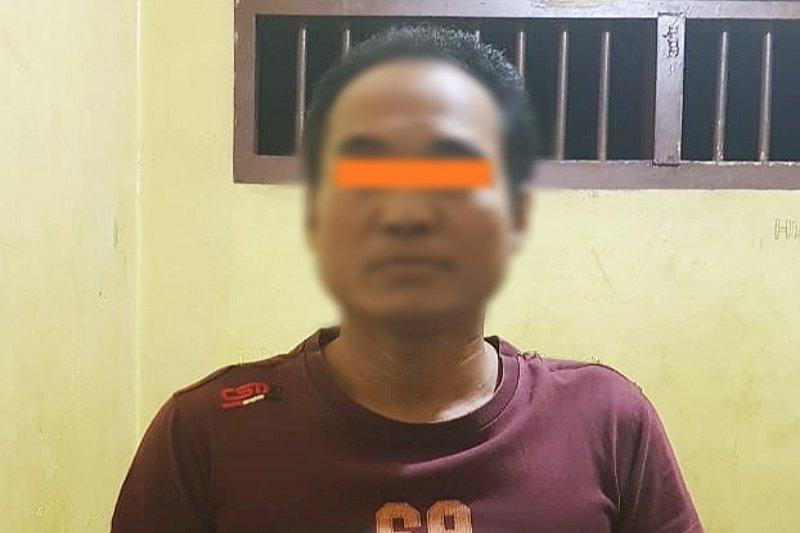 Petani ini ditangkap polisi karena todongkan pistol