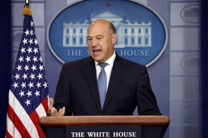 Penasihat Gedung Putih kecam kebijakan tarif AS merusak ekonomi