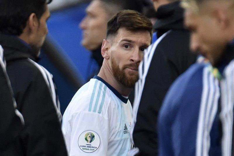 Messi dilarang tampil tiga bulan dan denda 50.000 dolar AS