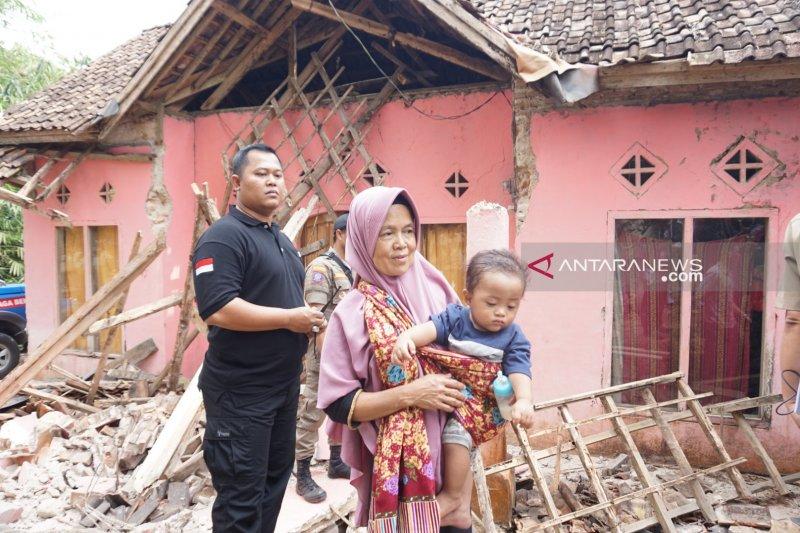 BNPB: Lima orang meninggal akibat gempa Banten