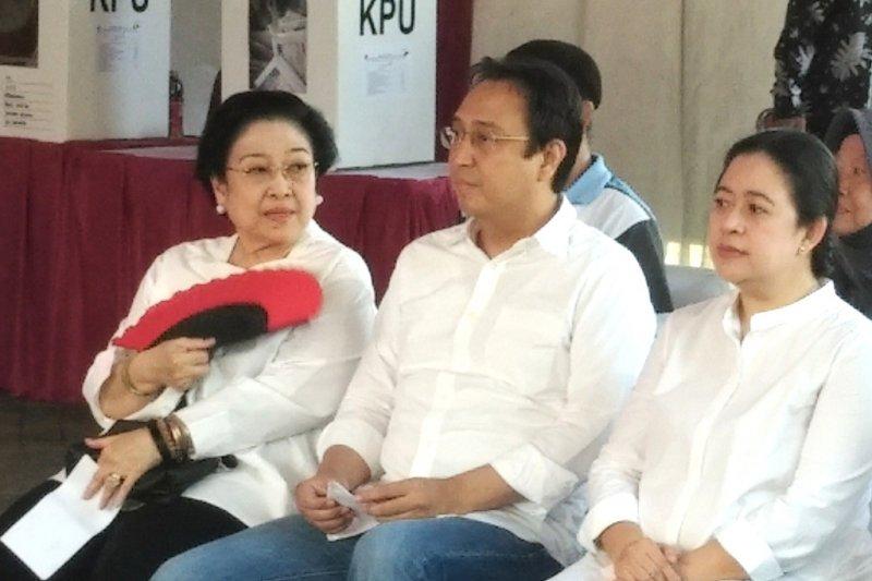 Megawati tetap Ketum PDIP atau ada regenerasi kepemimpinan?