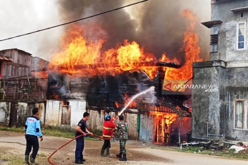 12 unit rumah di Aceh Selatan terbakar, 40 orang kehilangan tempat tinggal