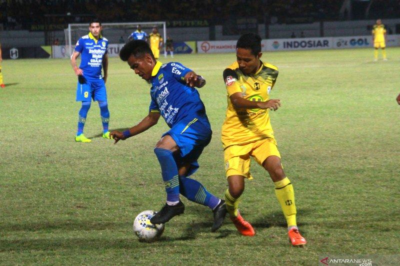 Babak Pertama, Persib unggul 2-0 atas Borneo FC