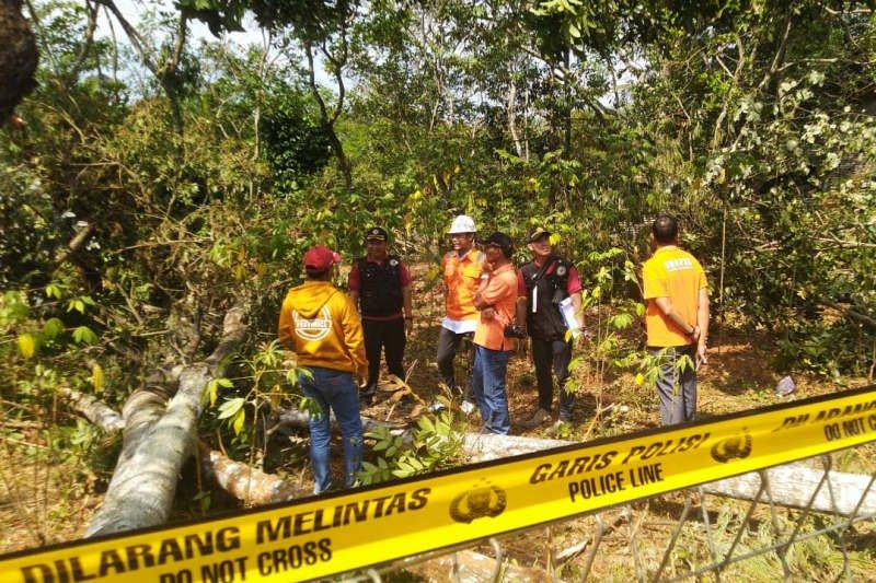 Labfor Polri cek lokasi ledakan SUTET Gunungpati
