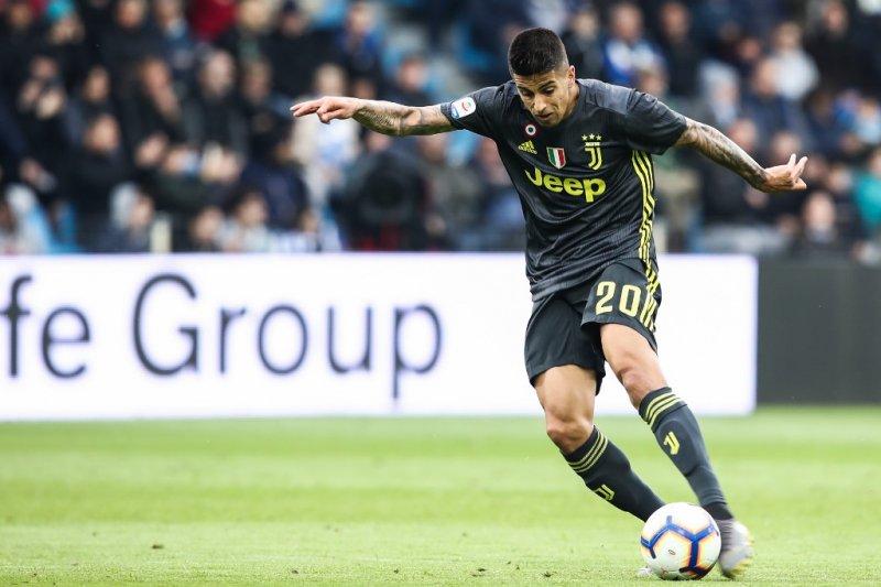 City ikat Cancelo dari Juventus