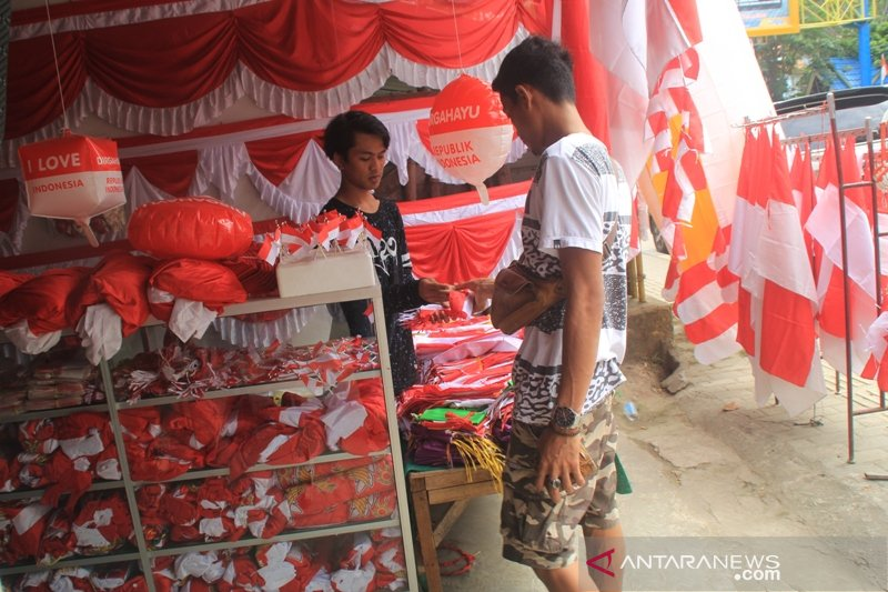 Umbul Umbul Merah Putih Di Jayapura Laris Manis Antara News Papua