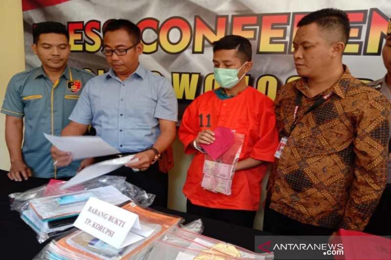 Mantan Bendahara UPK DAPM Watumalang ditahan