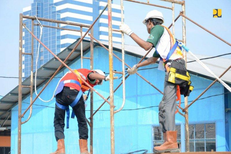 PUPR menerima rekor MURI atas sertifikasi 16.000 tenaga kerja konstruksi