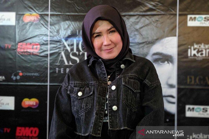 Jejak kaum  hawa  dalam histori rock Indonesia