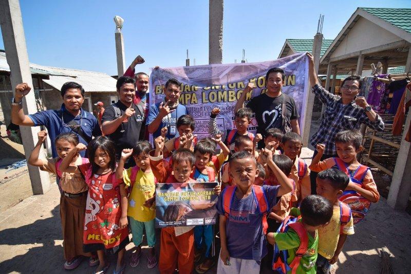 GFJA dan PFI memberikan bantuan korban gempa Lombok