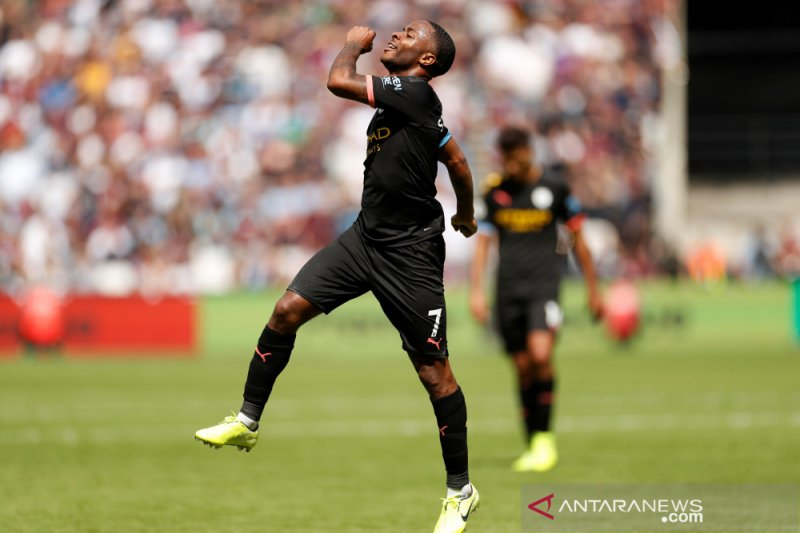 Sterling trigol, City berpesta lima gol di West Ham