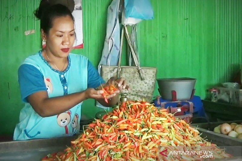 Harga cabai rawit di Sumbawa Rp150 per kilogram, bikin pusing warga