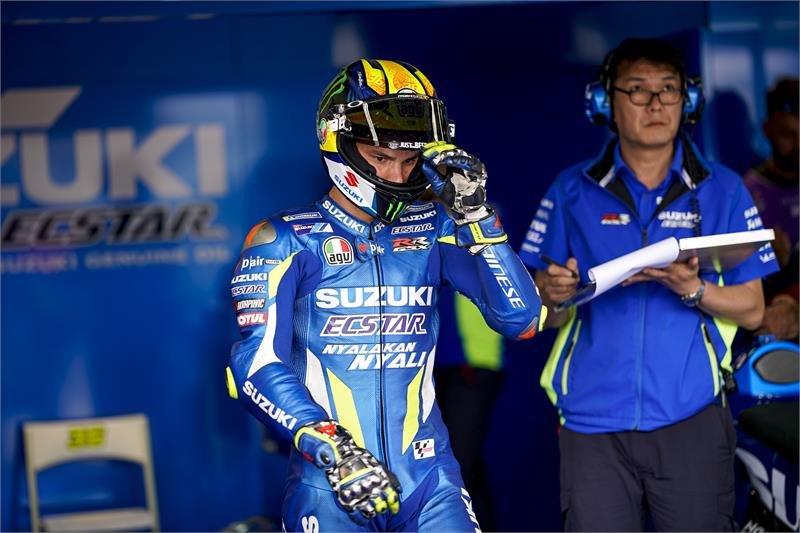 Pebalap MotoGP Joan Mir kecelakaan dan memar paru-paru