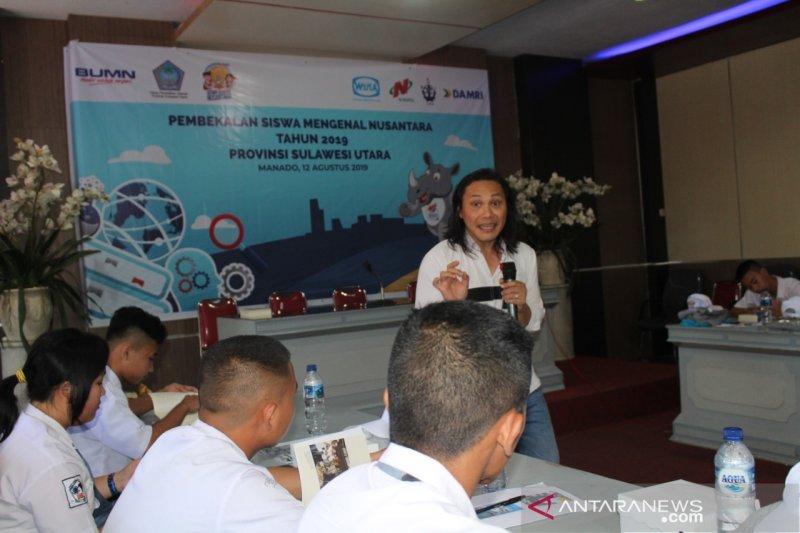 Akademisi Bedah Buku Siswa Mengenal Nusantara  di Manado