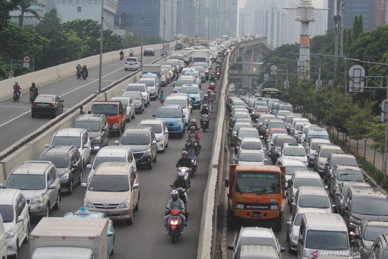Wacana taksi bebas ganjil genap, ini komentar warga