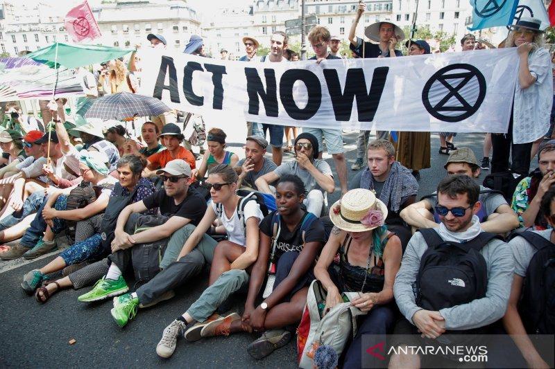 Kembalinya AS ke pakta Paris, langkah pertama Joe Biden untuk aksi iklim AS