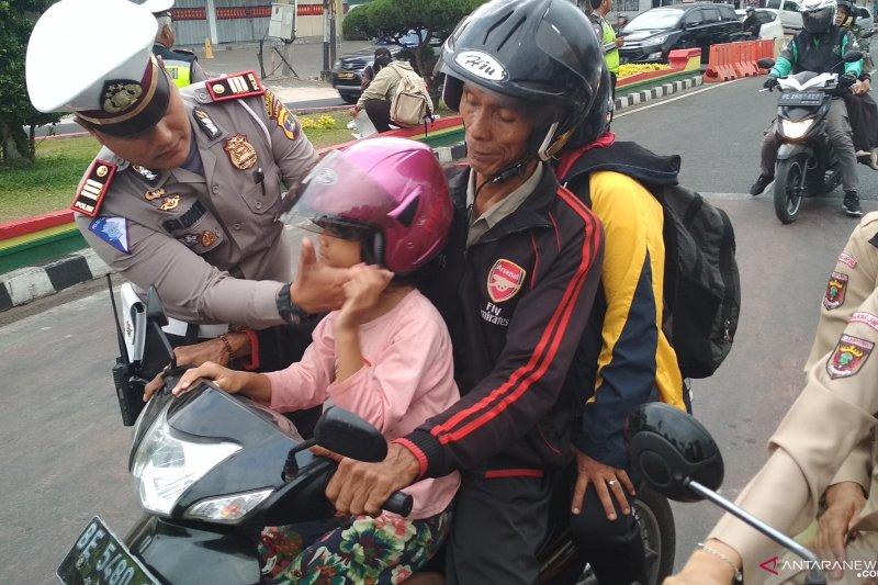 Kampanye keselamatan berlalu lintas sejak usia dini