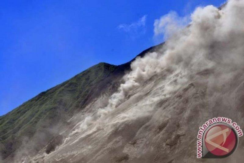 Status Gunung Karangetang di Sitaro siaga level III