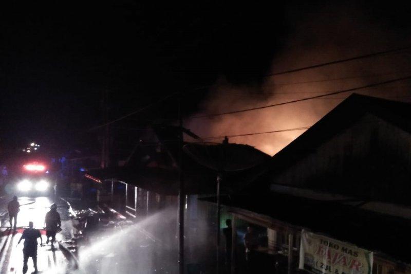 Pasar Kampuang Galapuang terbakar Rabu dini hari, kerugian capai miliaran rupiah