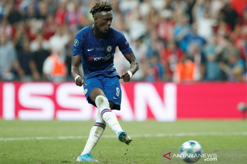 Lampard motivasi Abraham yang gagal dalam adu penalti