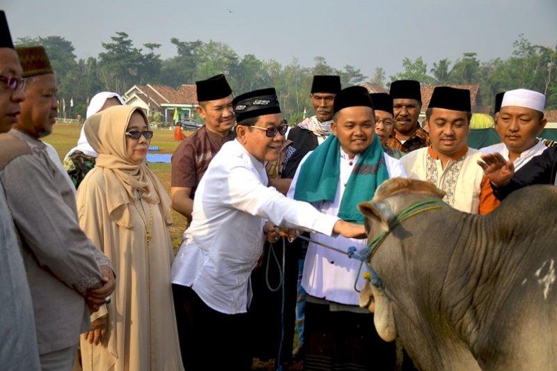 Plt Bupati Mesuji sholat Idul Adha di Desa Sidomulyo