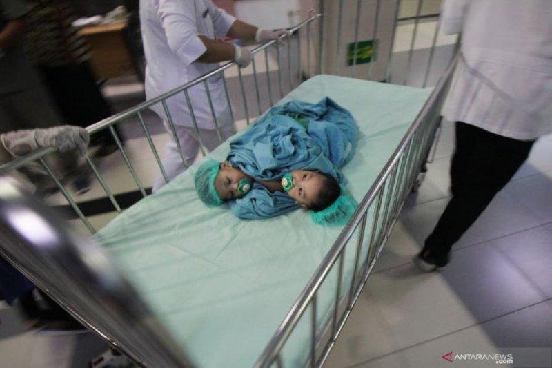 Bayi kembar siam Aqila-Azila diisolasi seminggu