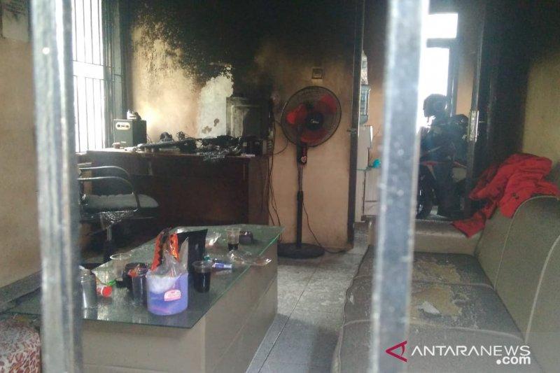 Kantor DPC GMNI Cianjur diduga dibakar orang tak dikenal