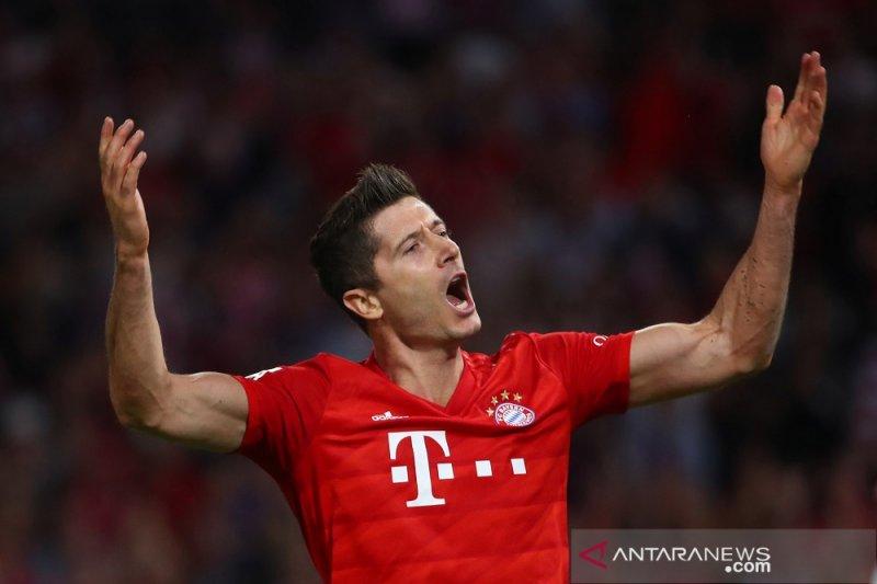 Lewandowski pecahkan rekor lima tahun beruntun cetak gol laga pekan pembuka